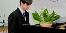 За роялем – физматовец!